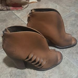 Ariat Shoes - Women's Ariat brown leather peep toe booties Sz 7B